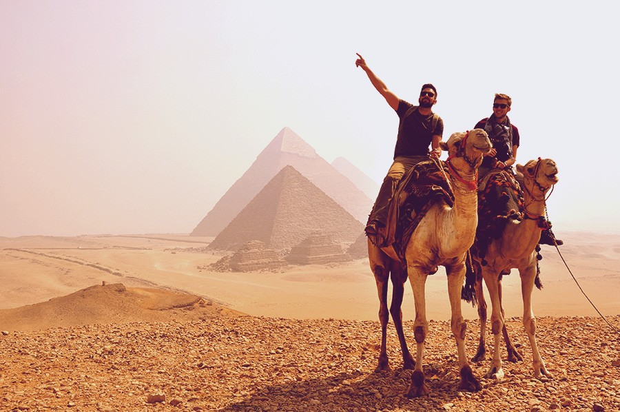 ride camel in the pyramids