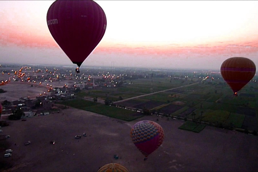 ballooning ride over luxor