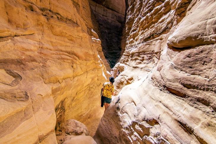 colored canyon tour