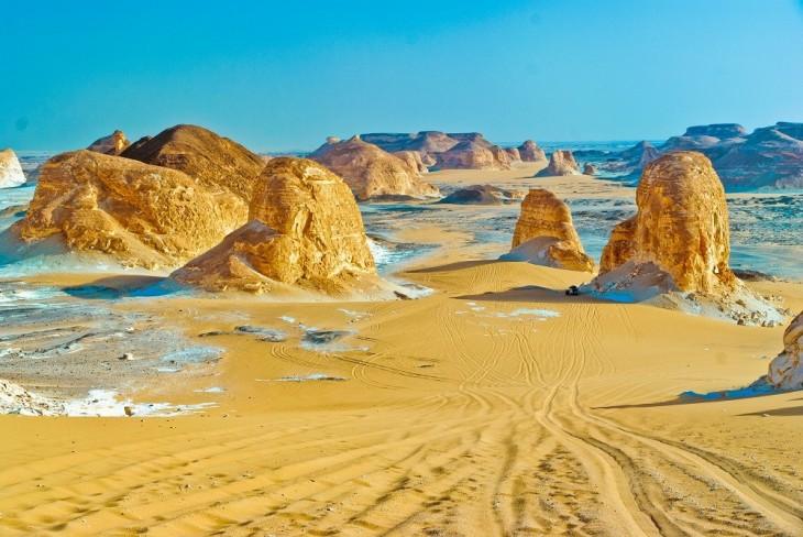 Aqabat valley white desert