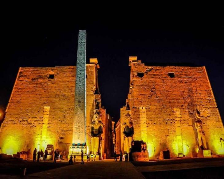Egypt-Luxor-Temple-night.jpg