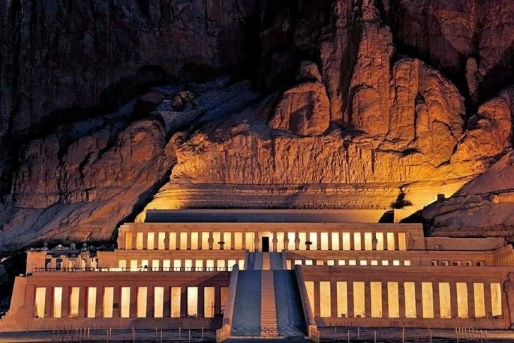 Hatshbsut temple