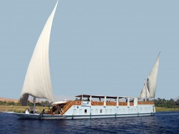 Egypt 5-Day Dahabiya Cruise with Private Guide from Luxor to Aswan