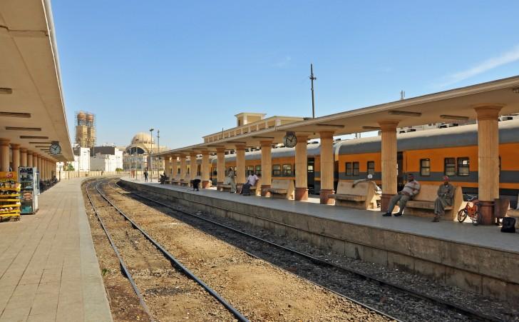 Luxor train