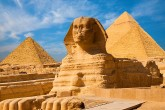 Giza pyramids and National museum day tour