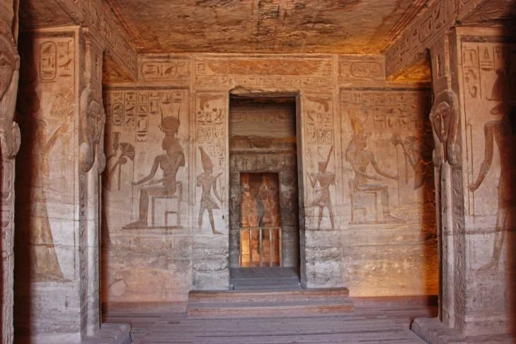 Abu simbel-inside-walls
